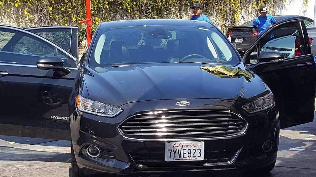 Fast N Clean Car Wash - car wash  | Photo 3 of 10 | Address: 6150, 1661, W Vista Way, Vista, CA 92083, USA | Phone: (760) 842-7543