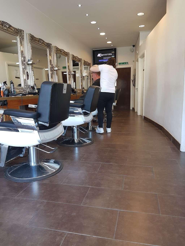 Scotts Of Welwyn - hair care  | Photo 2 of 4 | Address: 115A Moors Walk, Welwyn Garden City AL7 2BQ, UK | Phone: 01707 390690