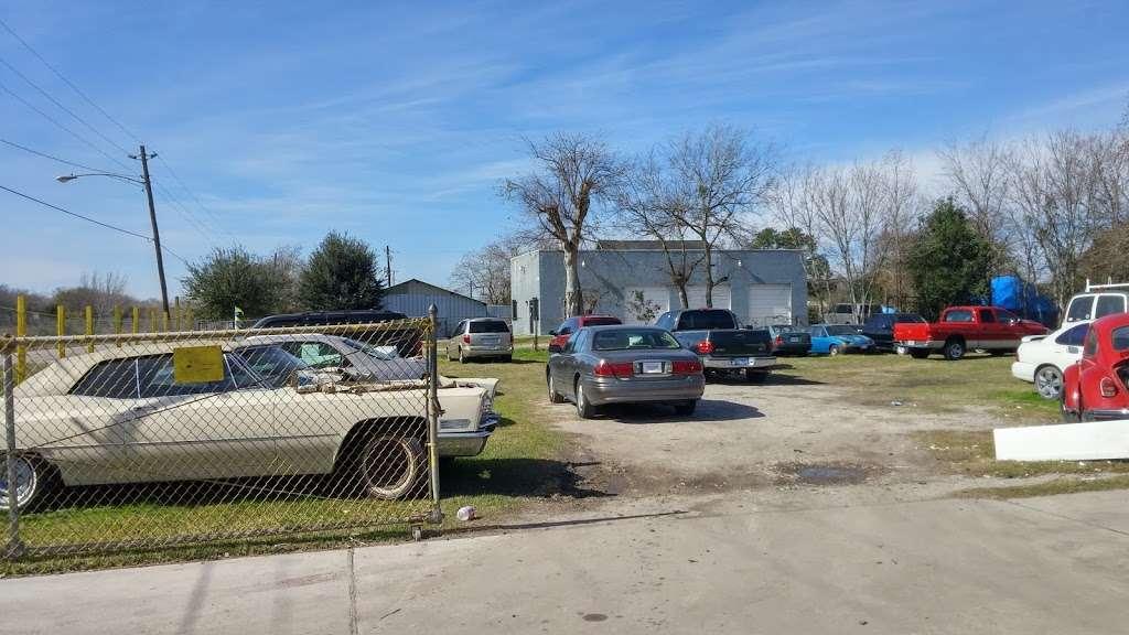 A & A Auto Service and Sales - car dealer    Photo 7 of 10   Address: 5110 Fuqua Gardens View Rd, Houston, TX 77045, USA   Phone: (713) 434-8464