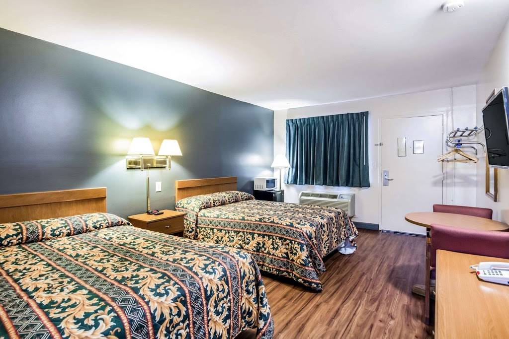 Rodeway Inn North Chesterfield-Richmond - lodging  | Photo 2 of 7 | Address: 2125 Willis Rd, Richmond, VA 23237, USA | Phone: (804) 271-6031