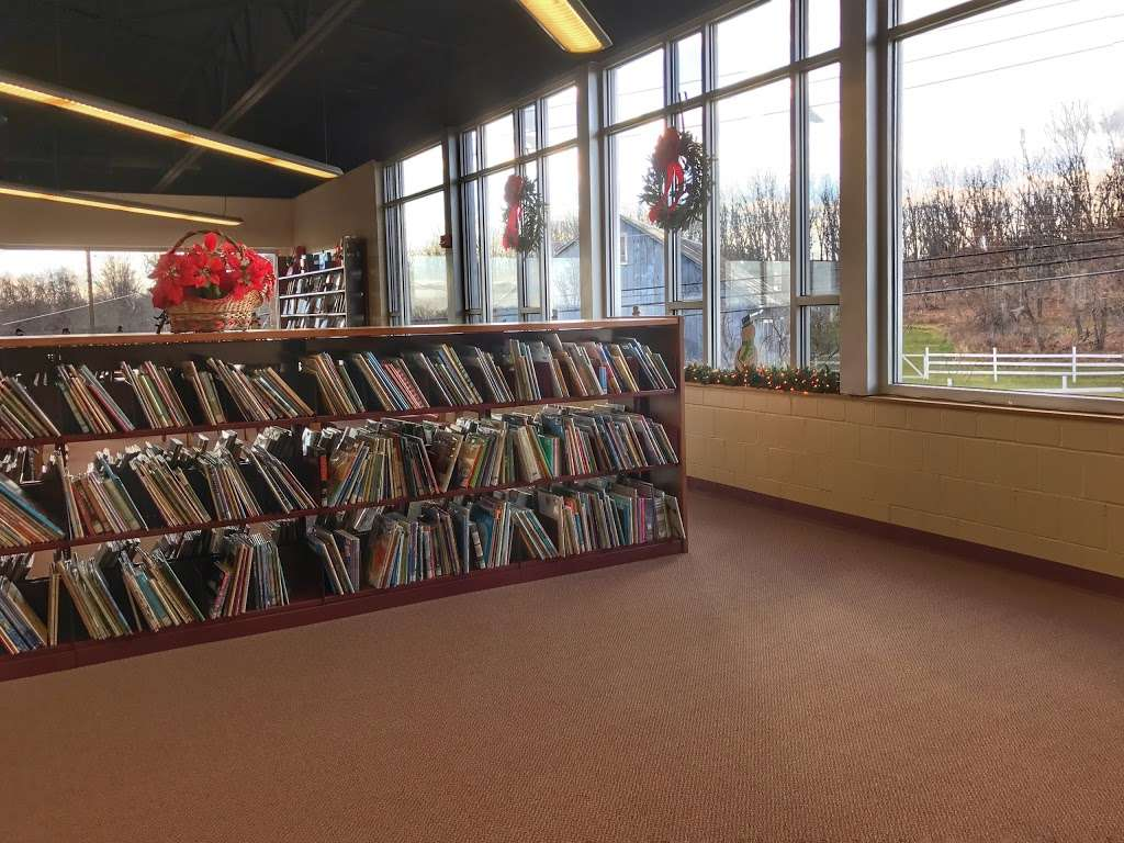 LCCC Rothrock Library - library  | Photo 4 of 7 | Address: 4750 Orchard Rd, Schnecksville, PA 18078, USA | Phone: (610) 799-1150