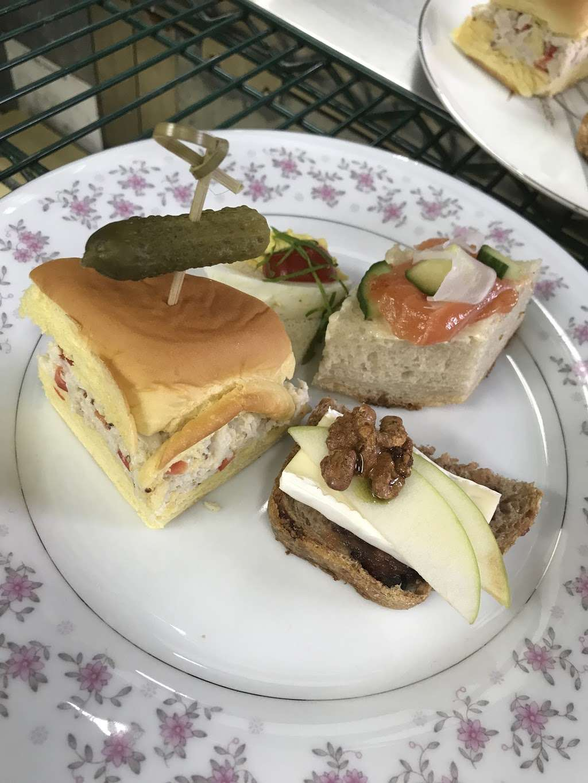 Andres Lakeside Dining - restaurant  | Photo 8 of 10 | Address: 112 Tomahawk Trail, Sparta Township, NJ 07871, USA | Phone: (973) 726-6000