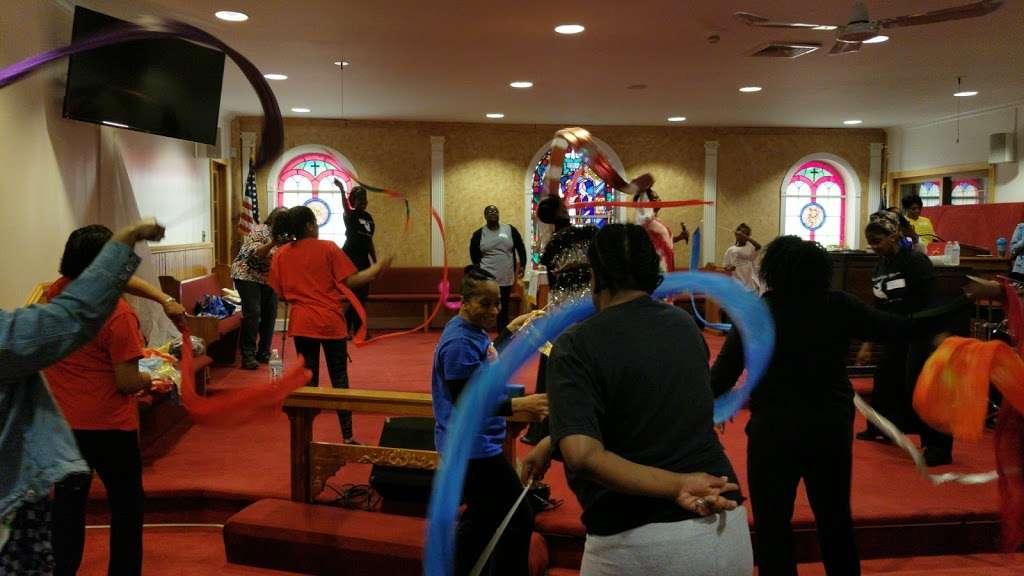Durham A.M.E. Zion Church - church  | Photo 1 of 1 | Address: 1893 Heckscher Ave, Bay Shore, NY 11706, USA | Phone: (631) 231-8726