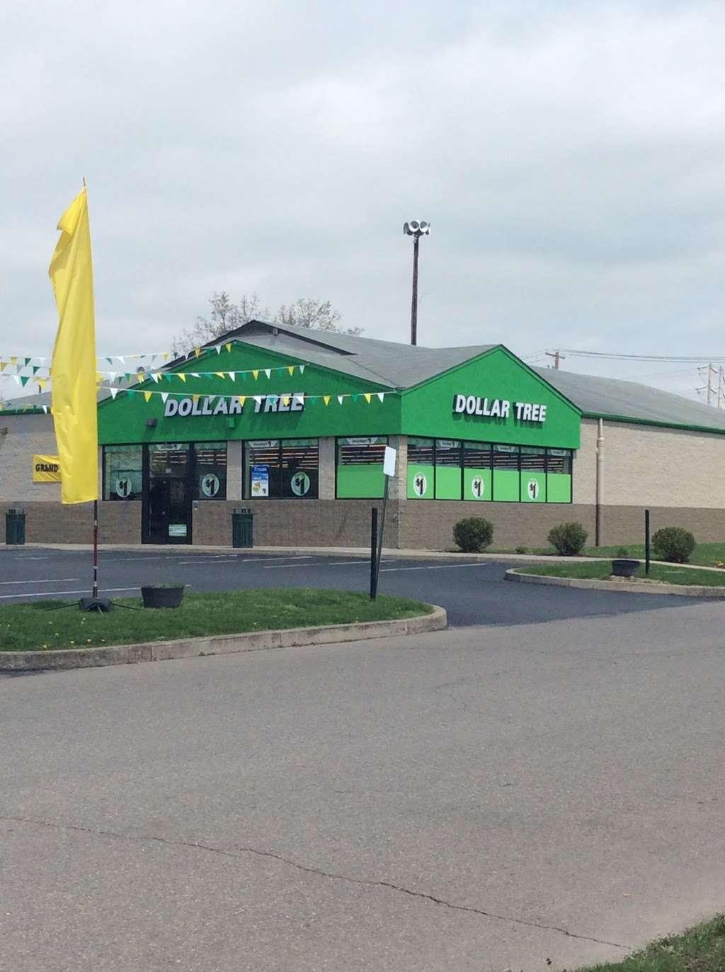 Dollar Tree - furniture store  | Photo 3 of 10 | Address: 326 N Market St, Berwick, PA 18603, USA | Phone: (570) 752-3023