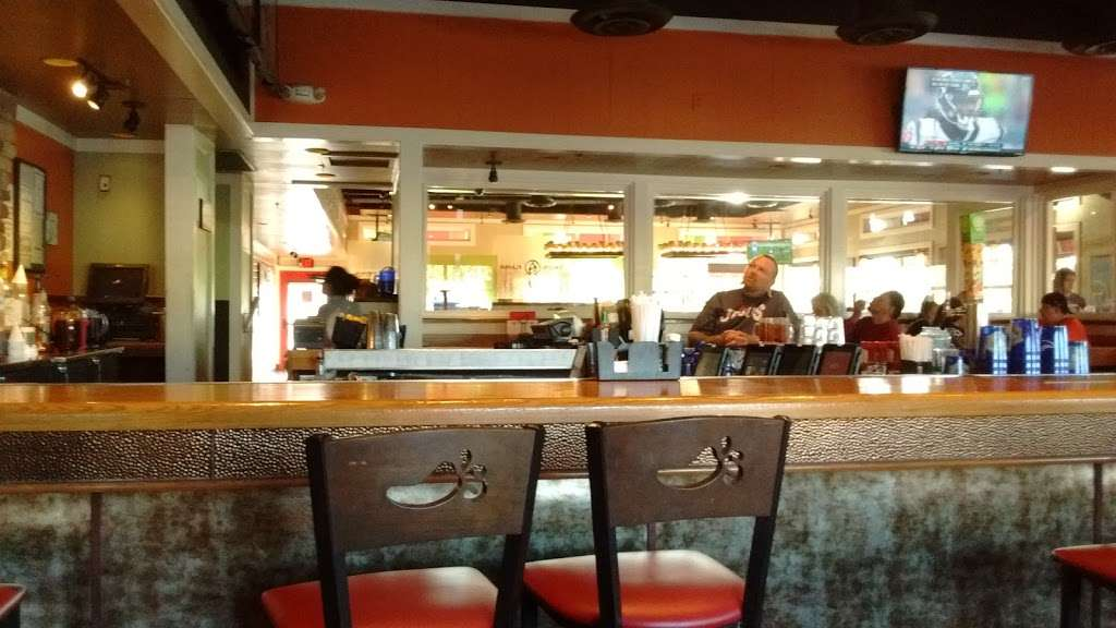 Chilis Grill & Bar - meal takeaway  | Photo 1 of 10 | Address: 8690 Spencer Hwy, La Porte, TX 77571, USA | Phone: (281) 478-4777