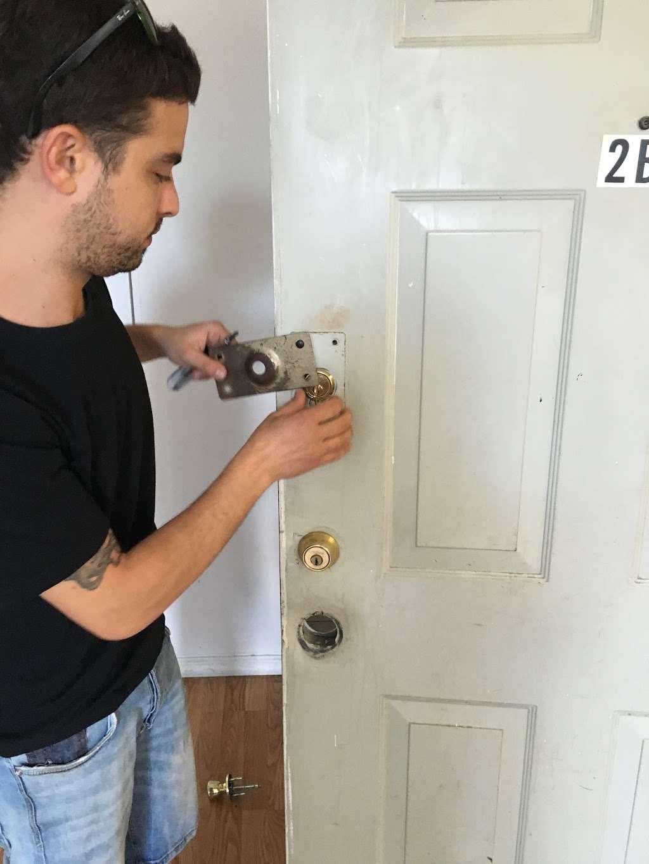 ACM Locksmith - locksmith  | Photo 3 of 8 | Address: 347 E 104th St b, New York, NY 10029, USA | Phone: (646) 931-0298