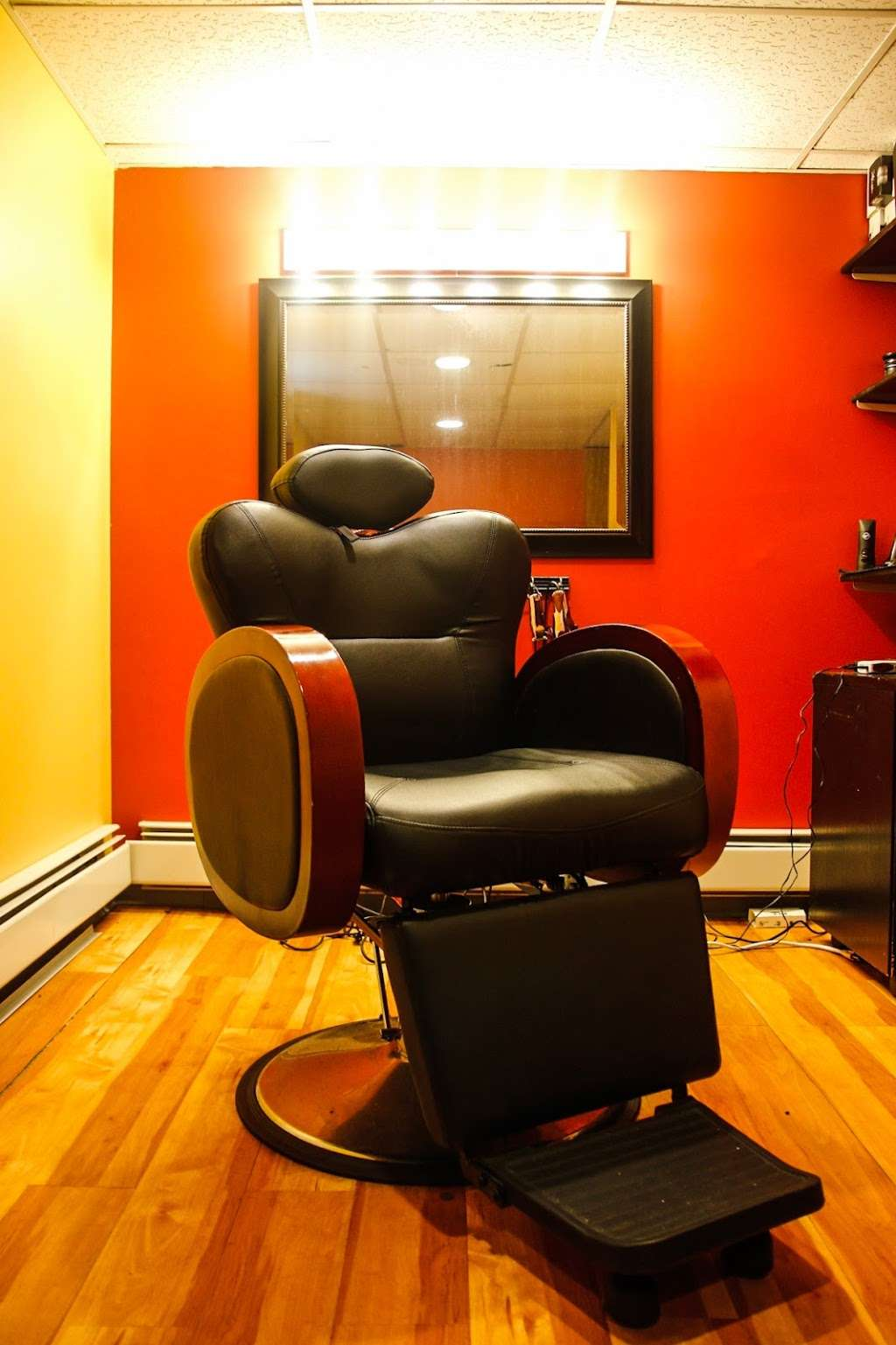 The Barbers Table - hair care  | Photo 1 of 5 | Address: 421 Valley View Rd, Englewood, NJ 07631, USA | Phone: (201) 621-3101