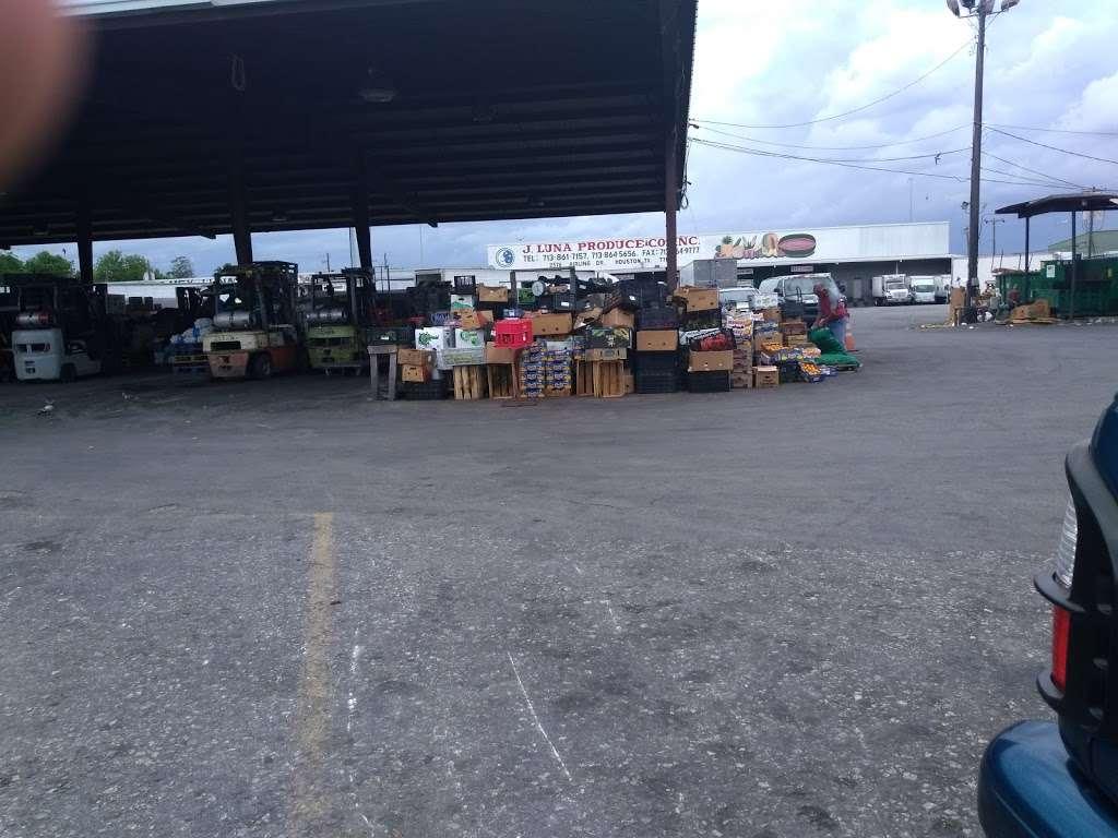 Marqueta Houston - store    Photo 10 of 10   Address: 2520 Airline Dr, Houston, TX 77009, USA   Phone: (713) 862-4027