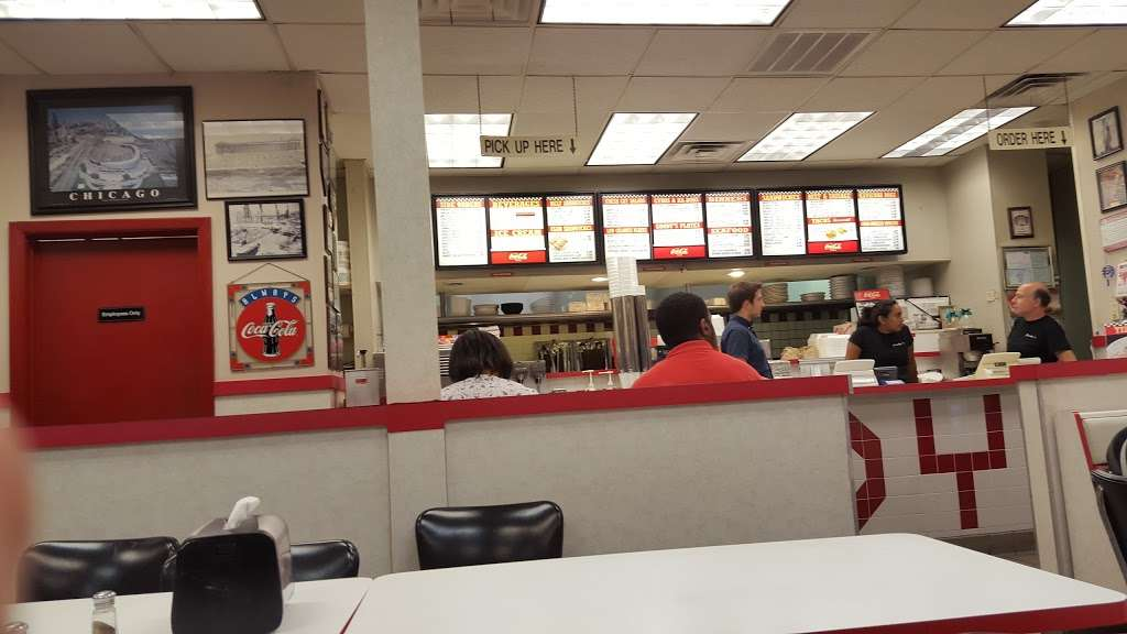 Goody Fast Food - restaurant  | Photo 8 of 9 | Address: 8255 W Belmont Ave, River Grove, IL 60171, USA | Phone: (708) 583-1700