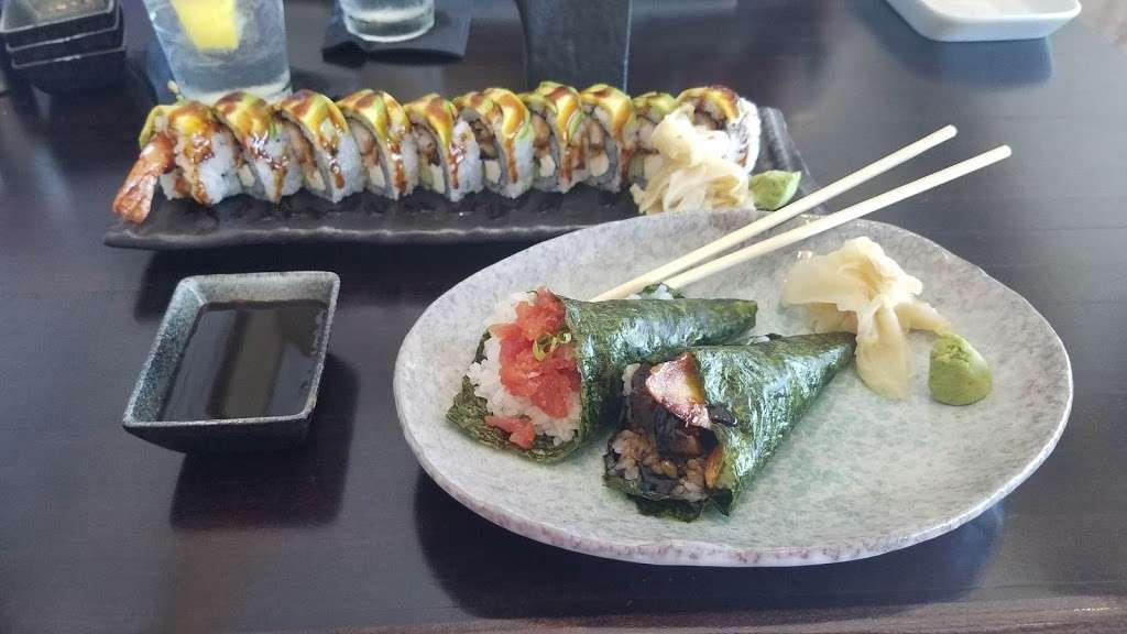M/Y Cafe - restaurant  | Photo 4 of 10 | Address: 4200 N Flagler Dr, West Palm Beach, FL 33407, USA | Phone: (561) 840-8301