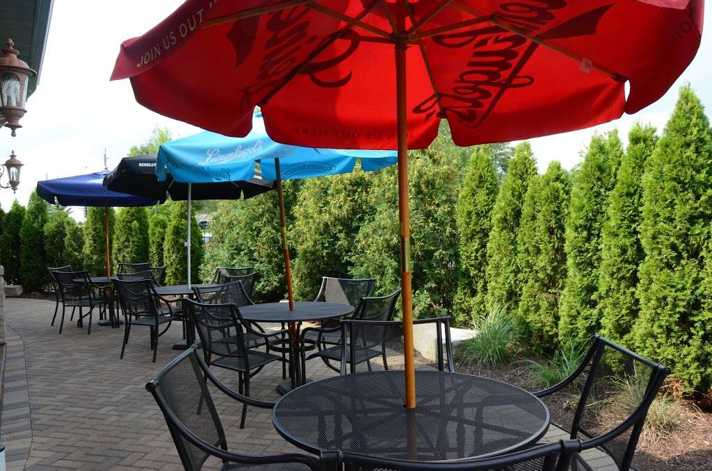 3 Corners Grill & Tap - restaurant  | Photo 5 of 10 | Address: 9701, 12371 Derby Rd, Lemont, IL 60439, USA | Phone: (630) 257-7780