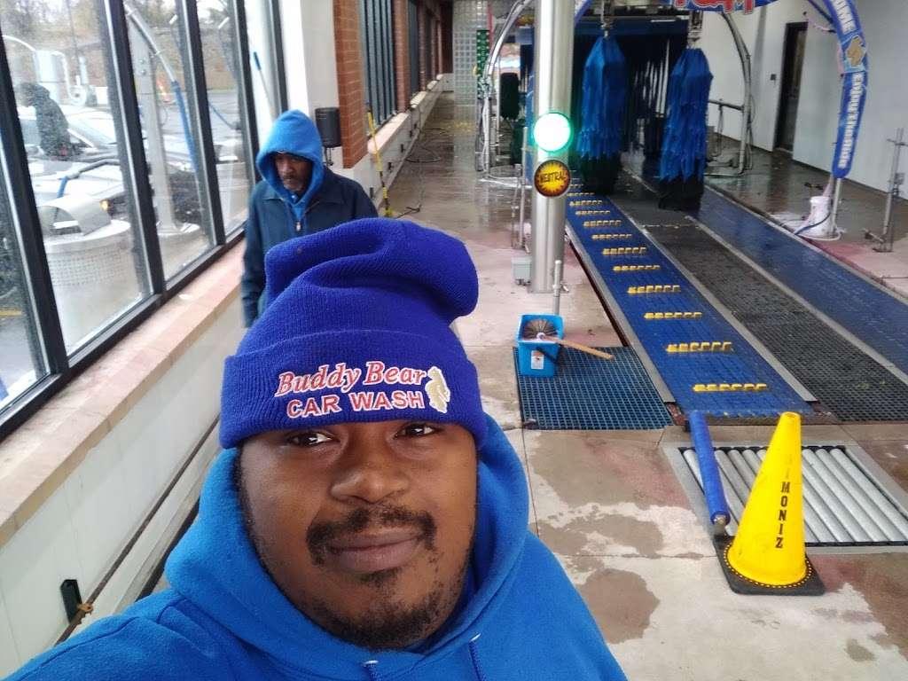 Buddy Bear Car Wash - car wash  | Photo 5 of 10 | Address: 4130 S Western Ave, Chicago, IL 60609, USA | Phone: (773) 847-1221
