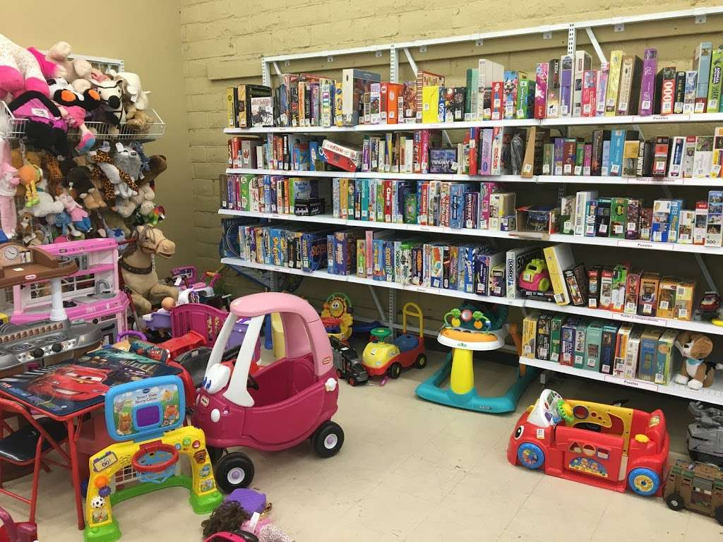 Savers - book store  | Photo 5 of 10 | Address: 9091 Garfield Ave, Fountain Valley, CA 92708, USA | Phone: (714) 963-0425