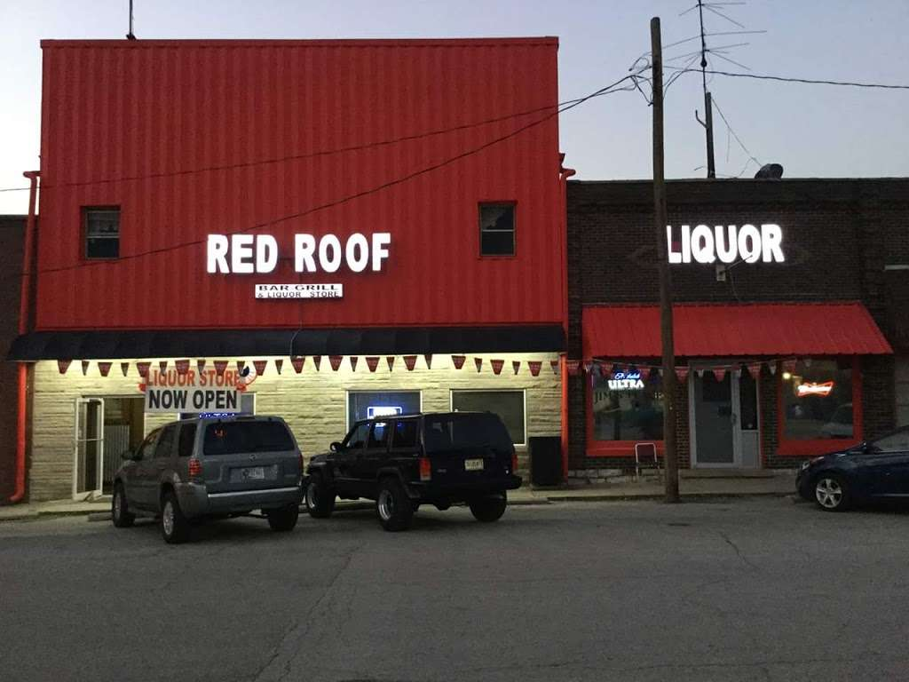 Red Roof Liquor - store  | Photo 1 of 10 | Address: 5 Market St, Cloverdale, IN 46120, USA | Phone: (765) 795-6700