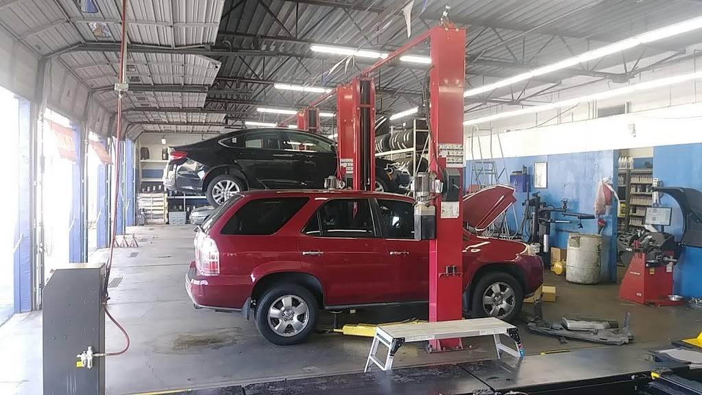 Pep Boys Auto Service & Tire - Formerly Just Brakes - car repair  | Photo 3 of 10 | Address: 3327 W Colonial Dr, Orlando, FL 32808, USA | Phone: (407) 521-8111