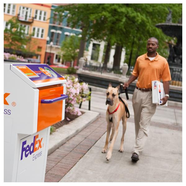 FedEx Ship Center - store  | Photo 4 of 9 | Address: 1121 W Cheyenne Ave, North Las Vegas, NV 89030, USA | Phone: (800) 463-3339