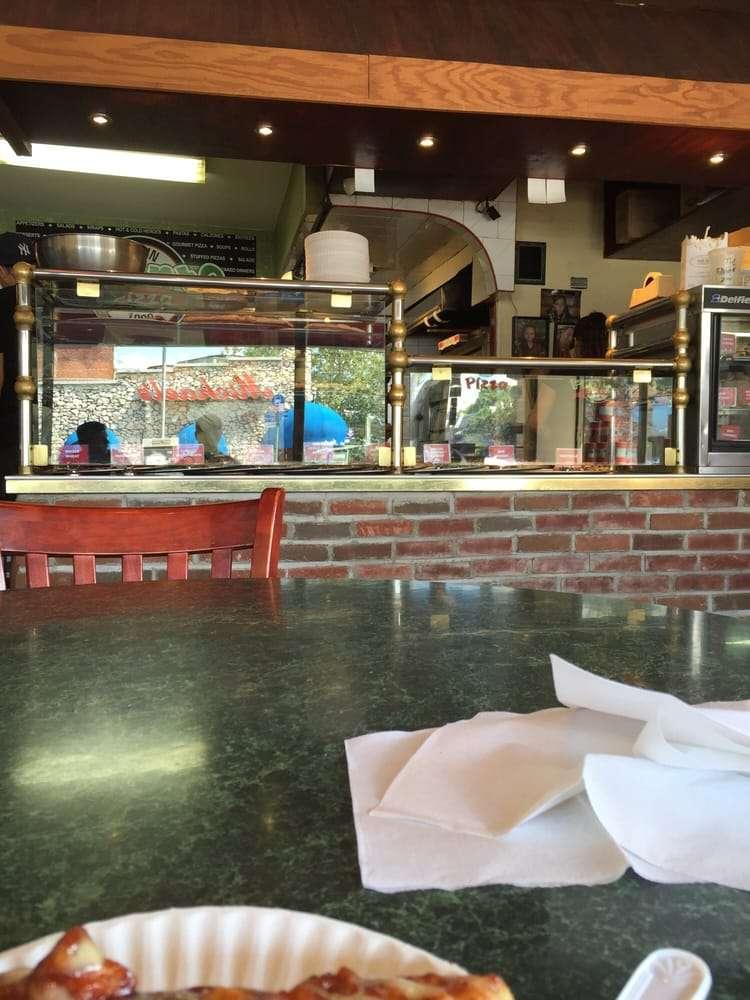 Pronto Pizza - restaurant  | Photo 7 of 10 | Address: 2928 Avenue R, Brooklyn, NY 11229, USA | Phone: (718) 627-4983