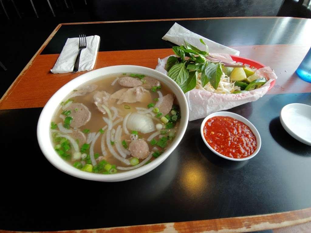 Pho Vy - Parker - restaurant  | Photo 6 of 10 | Address: 18366 Lincoln Ave #109, Parker, CO 80134, USA | Phone: (303) 840-7300