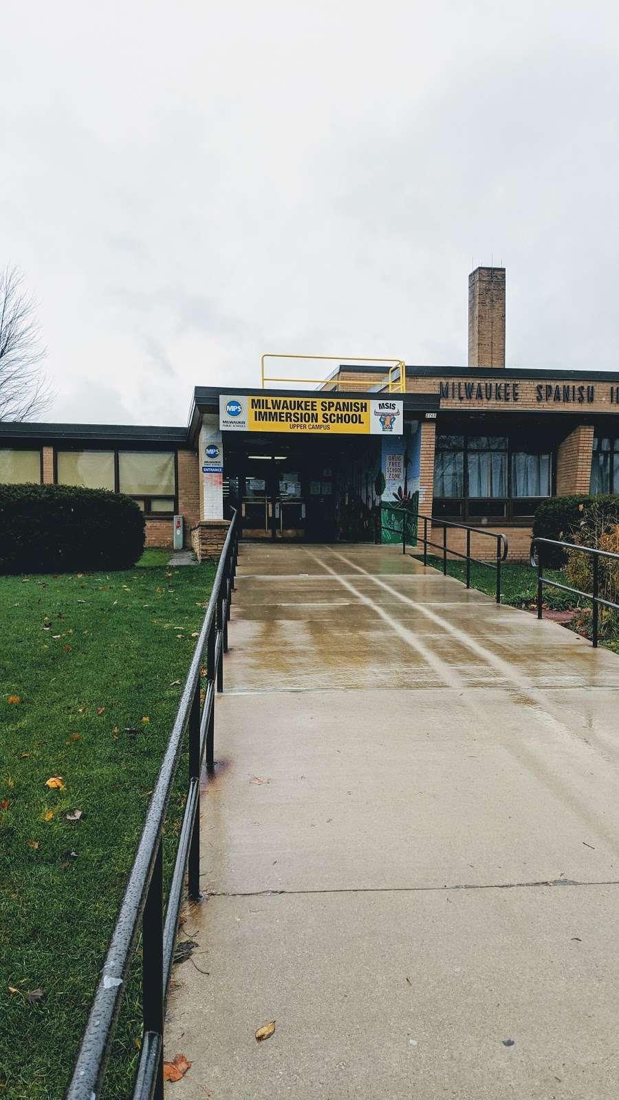 Milwaukee Spanish Immersion School - Upper Campus - school  | Photo 3 of 4 | Address: 2765 S 55th St, Milwaukee, WI 53219, USA | Phone: (414) 604-7600