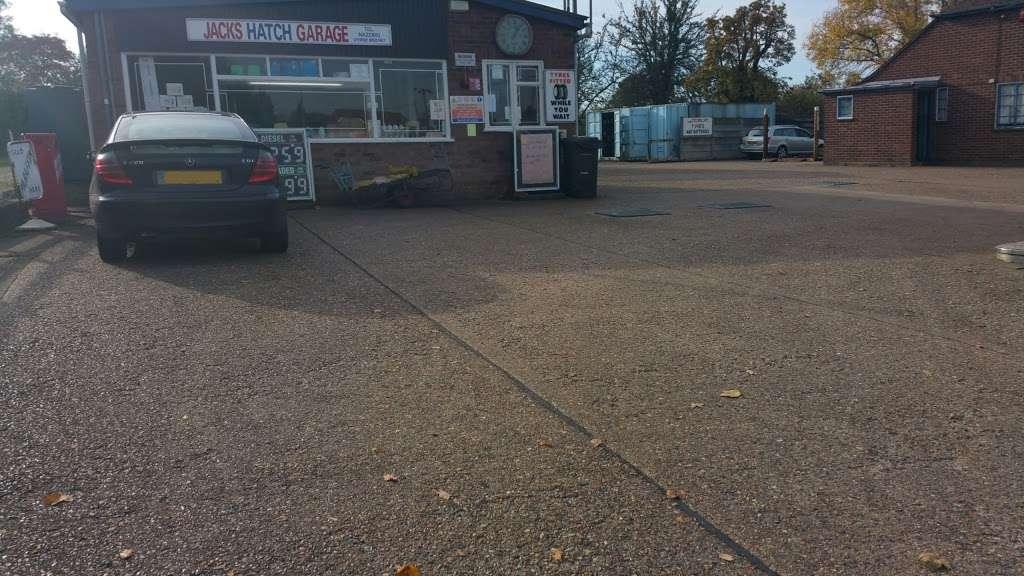 Jacks Hatch Garage - car repair    Photo 1 of 2   Address: Green Close, Epping Green, Nazeing, Epping CM16 6QA, UK   Phone: 01992 892167