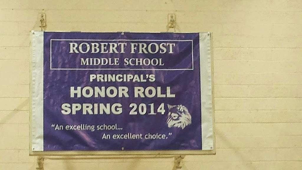 Robert Frost Middle School - school  | Photo 8 of 10 | Address: 12314 Bradford Pl, Granada Hills, CA 91344, USA | Phone: (818) 832-6900