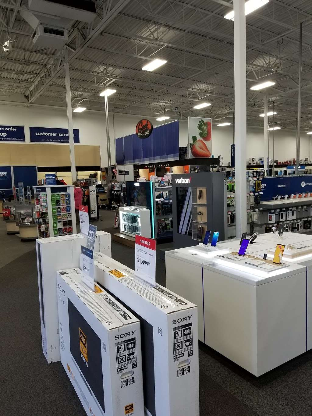 Best Buy - electronics store    Photo 9 of 10   Address: 18053 Garland Groh Blvd, Hagerstown, MD 21740, USA   Phone: (240) 420-8523