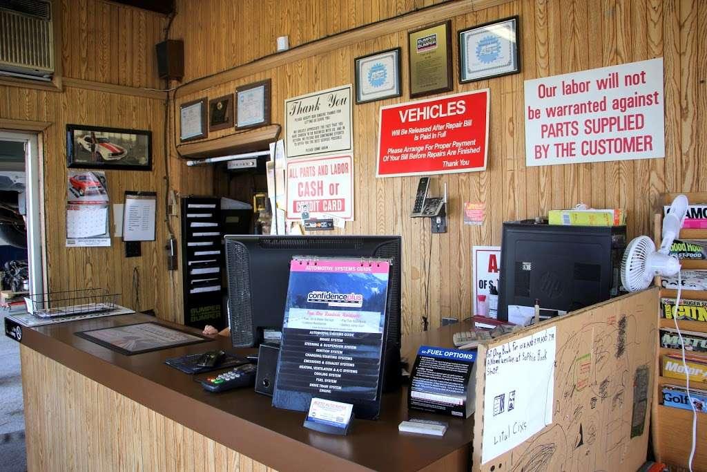 Aceto Auto Repair - car repair    Photo 3 of 10   Address: 6302 US-130, Pennsauken Township, NJ 08109, USA   Phone: (856) 910-9500