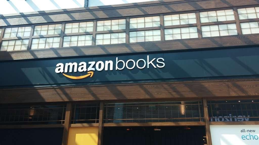 Footaction - shoe store    Photo 9 of 10   Address: 1004 Garden State Plaza Blvd, Paramus, NJ 07652, USA   Phone: (201) 843-3039