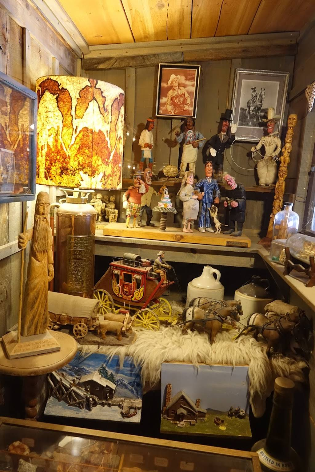 Tinkertown Museum - art gallery  | Photo 7 of 8 | Address: 121 Sandia Crest Rd, Sandia Park, NM 87047, USA | Phone: (505) 281-5233