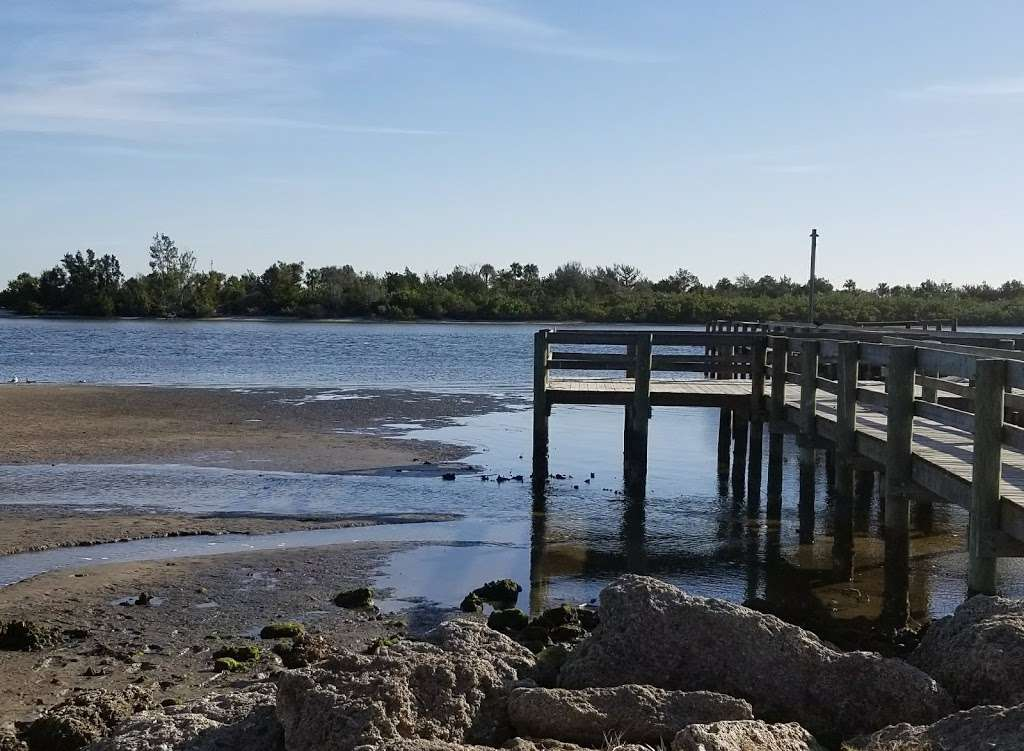 Veterans Memorial Park Edgewater Florida - park  | Photo 2 of 10 | Address: 1851-1899 S Riverside Dr, Edgewater, FL 32141, USA