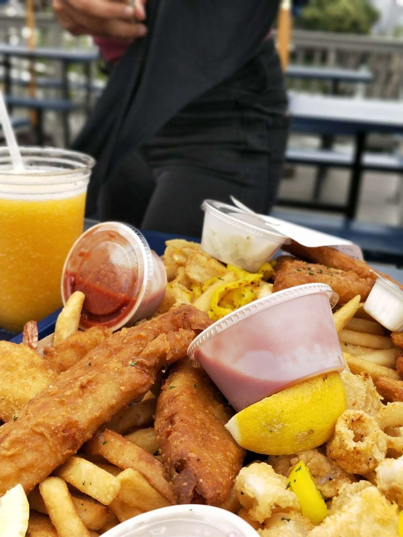Surf City - restaurant  | Photo 9 of 10 | Address: 1 Marin Blvd, Jersey City, NJ 07302, USA | Phone: (201) 516-9000