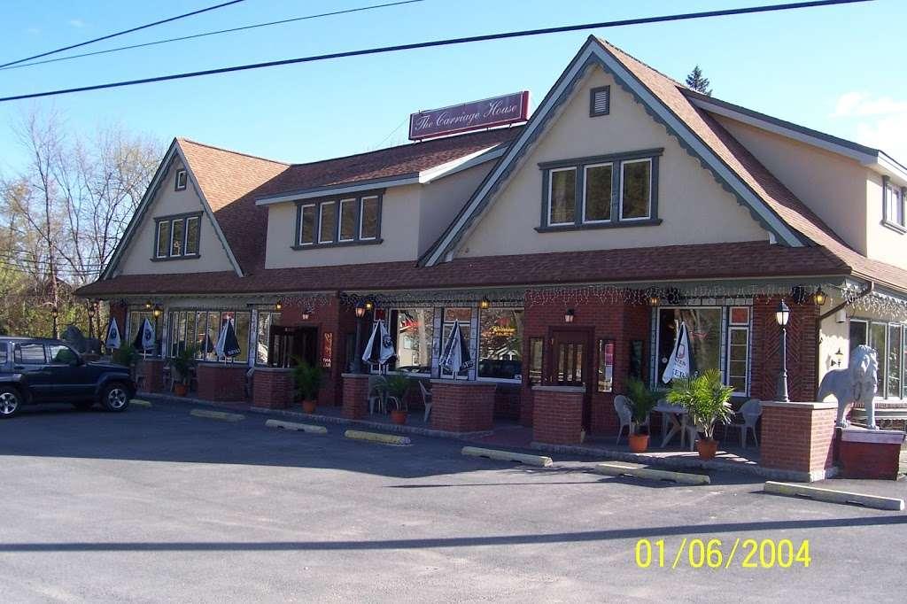 Carriage House - restaurant  | Photo 4 of 10 | Address: 3351 NY-97, Barryville, NY 12719, USA | Phone: (845) 557-0400
