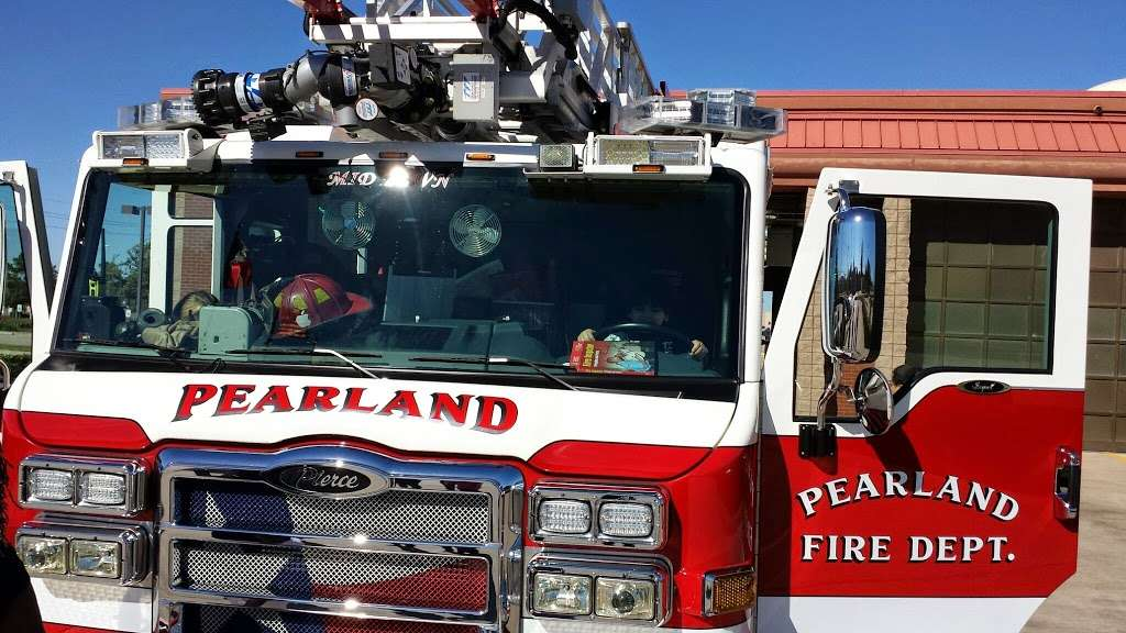 Pearland Fire Station 4 - fire station  | Photo 4 of 6 | Address: 8333 Freedom Dr, Pearland, TX 77584, USA | Phone: (281) 997-5851