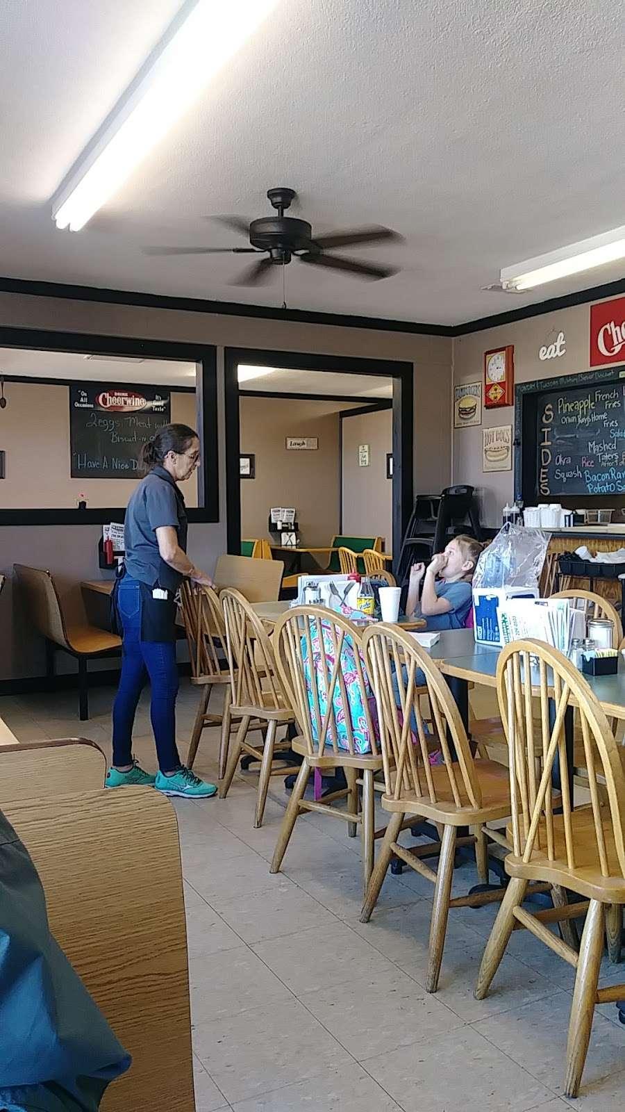 Wahoos Diner - restaurant  | Photo 1 of 9 | Address: 110 N Salisbury GQ Ave, Salisbury, NC 28146, USA | Phone: (704) 209-0503