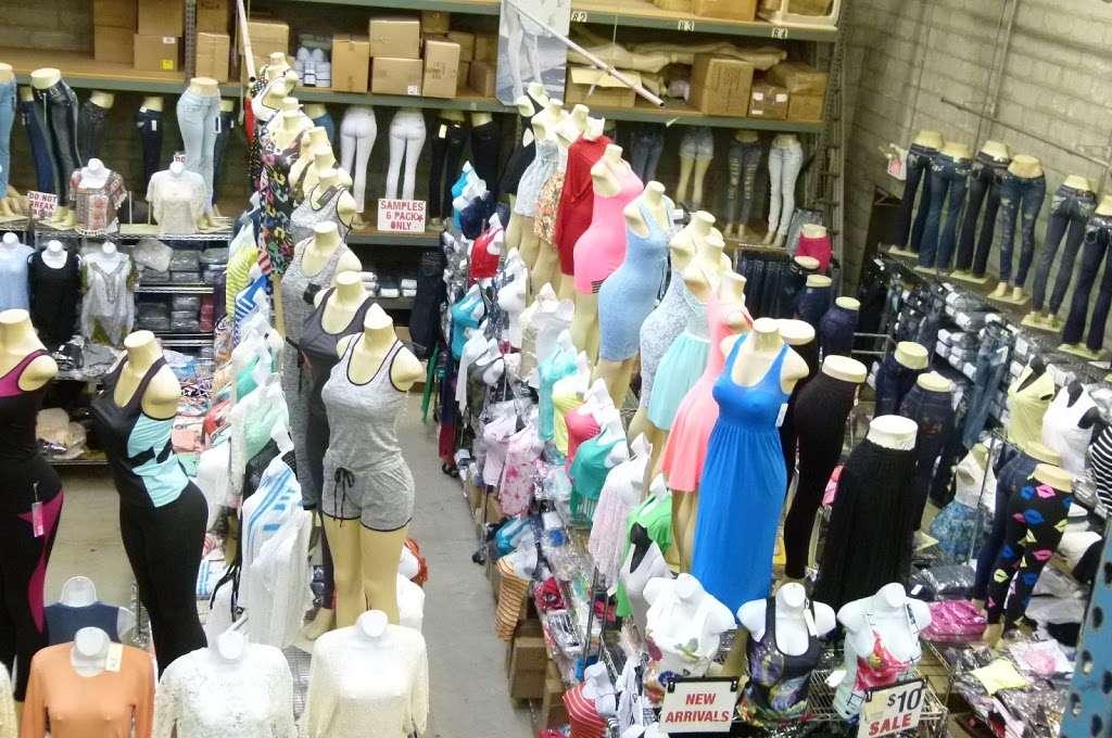 Hudson Wholesale, Inc. - clothing store  | Photo 2 of 10 | Address: 326 Hudson St, Hackensack, NJ 07601, USA | Phone: (201) 489-7282