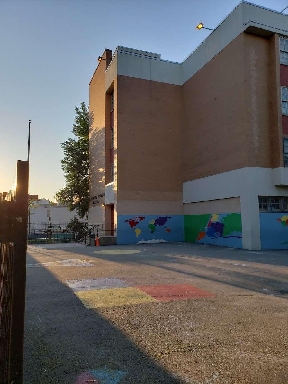 30th Avenue School - school  | Photo 4 of 7 | Address: 28-37 29th St, Astoria, NY 11102, USA | Phone: (718) 626-8502