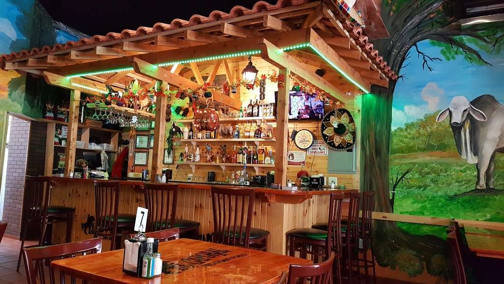 El Caporal - restaurant  | Photo 1 of 10 | Address: 341 Anderson Ave, Fairview, NJ 07022, USA | Phone: (501) 911-1256