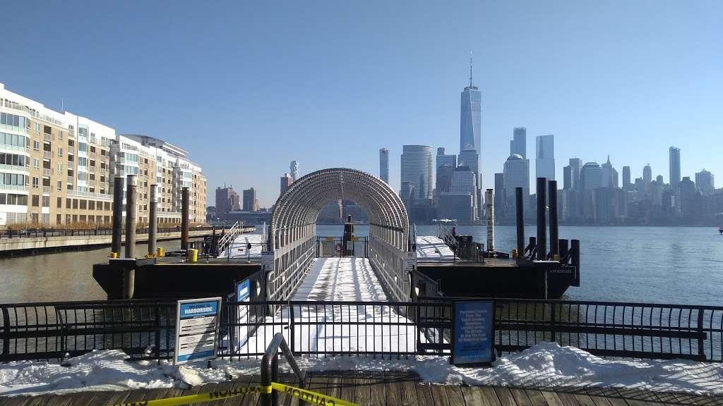 Harborside - transit station  | Photo 6 of 10 | Address: Jersey City, NJ 07302, USA