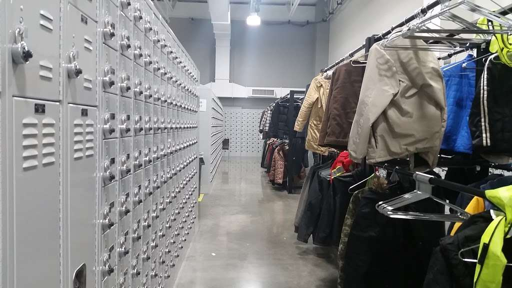 Amazon Fullfillment Center MKC6 - storage  | Photo 9 of 10 | Address: 6925 Riverview Ave, Kansas City, KS 66102, USA | Phone: (855) 556-5214