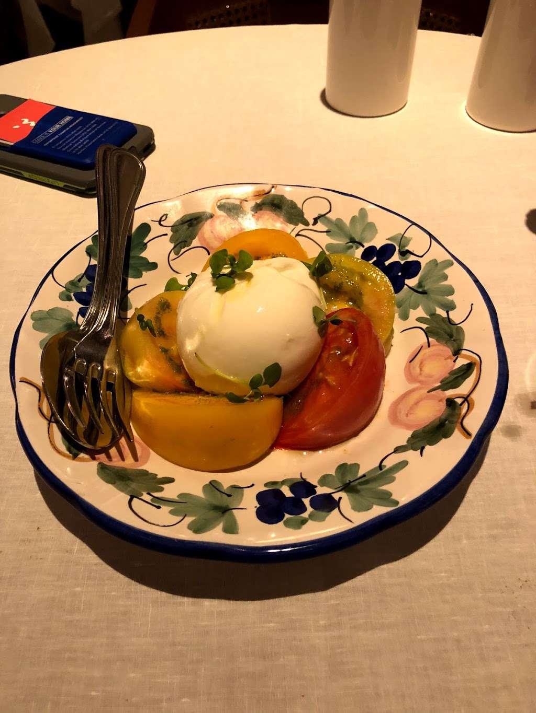 Bellini - restaurant  | Photo 8 of 10 | Address: 33 Peck Slip, New York, NY 10038, USA | Phone: (929) 263-0413