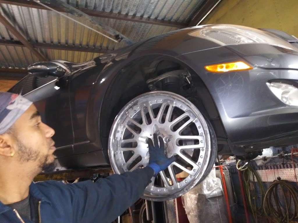 Morillo Muffler Auto Repair - car repair  | Photo 9 of 10 | Address: 1642 E New York Ave, Brooklyn, NY 11212, USA
