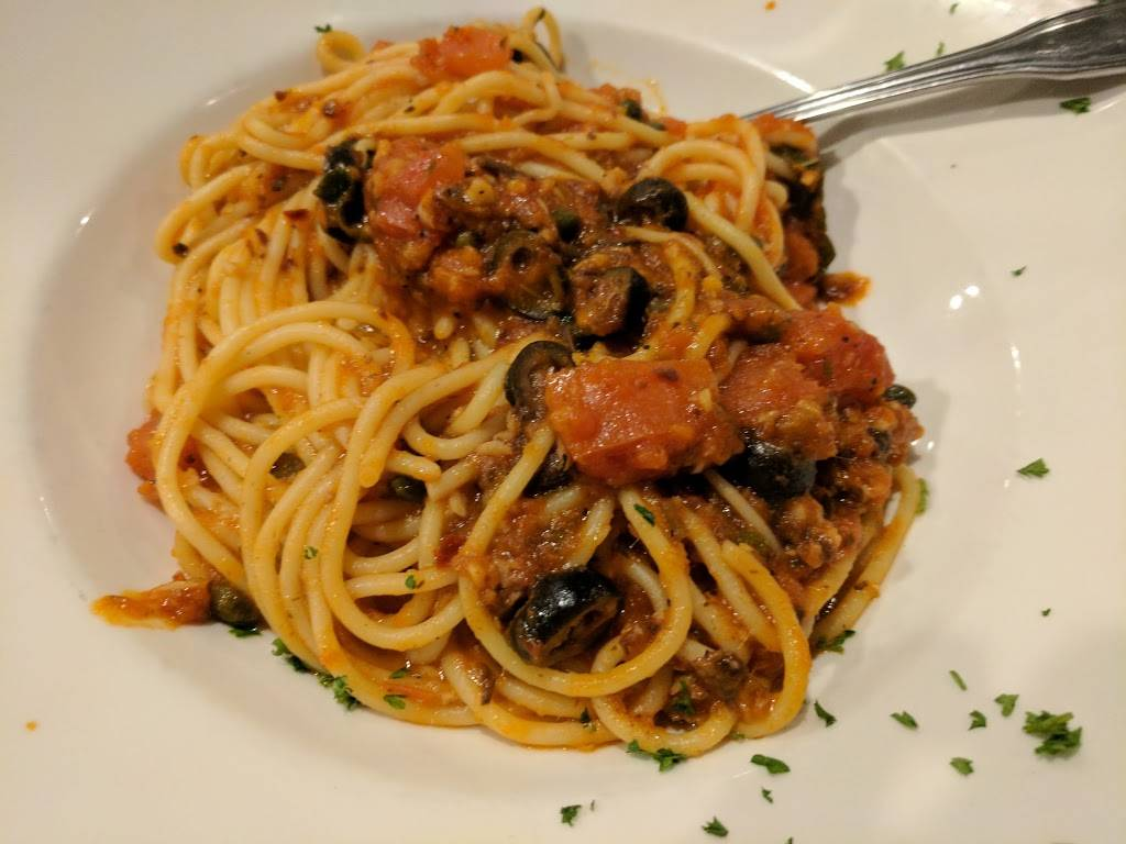 Francos Italian Restaurant - bakery  | Photo 3 of 10 | Address: 4453 W Cerritos Ave, Cypress, CA 90630, USA | Phone: (714) 761-9040