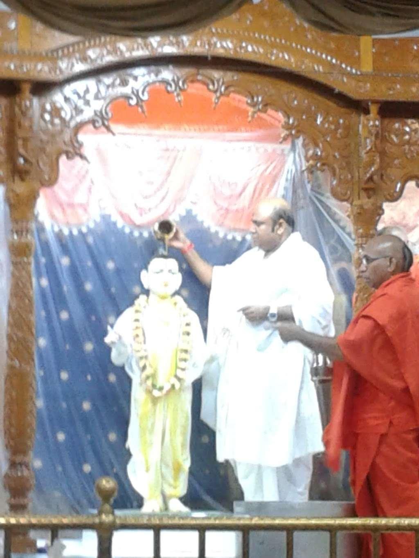 Shree Swami Narayan Temple - hindu temple  | Photo 2 of 8 | Address: 12147 Lakewood Blvd, Downey, CA 90242, USA | Phone: (562) 622-0554