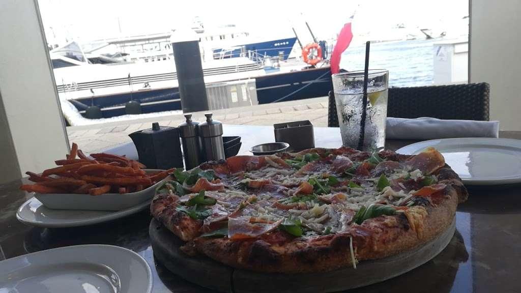 M/Y Cafe - restaurant  | Photo 10 of 10 | Address: 4200 N Flagler Dr, West Palm Beach, FL 33407, USA | Phone: (561) 840-8301
