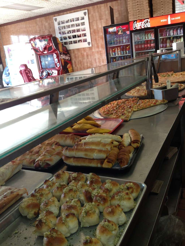 Roccos Pizzeria - restaurant  | Photo 5 of 10 | Address: 2414, 397, Bedford Park Blvd, Bronx, NY 10458, USA | Phone: (718) 295-6793