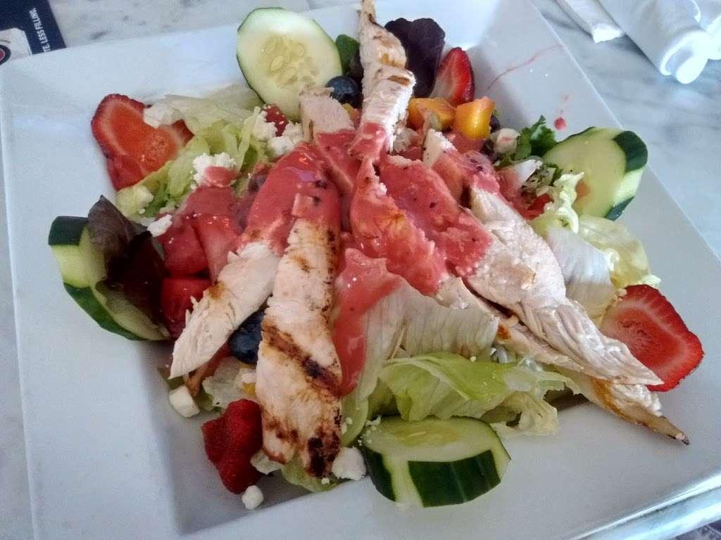 Spring Lake Tap House - restaurant  | Photo 2 of 10 | Address: 810 NJ-71, Spring Lake, NJ 07762, USA | Phone: (732) 282-1530