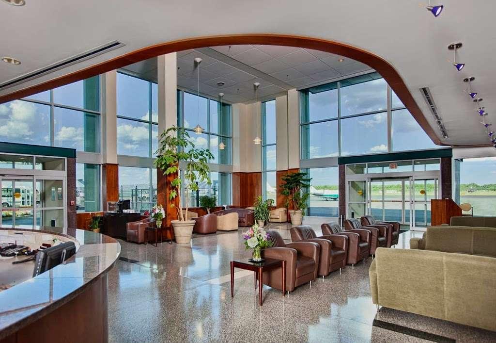 Meridian - airport  | Photo 4 of 10 | Address: 485 Industrial Ave, Teterboro, NJ 07608, USA | Phone: (201) 288-5040