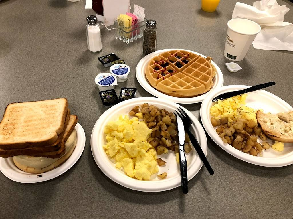 Shoreline Grill - restaurant  | Photo 7 of 10 | Address: 2809 Atlantic Ave, Virginia Beach, VA 23451, USA | Phone: (757) 531-7587