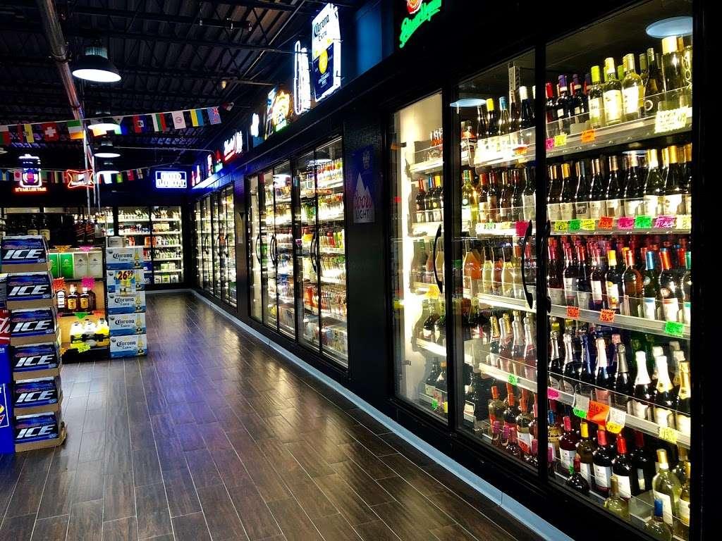 Galaxy Liquor Crab House - store  | Photo 2 of 10 | Address: 7241 Landover Rd, Hyattsville, MD 20785, USA | Phone: (301) 322-1413