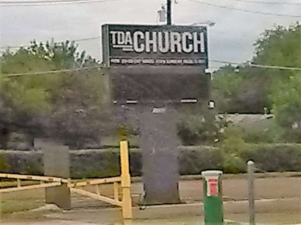 Templo de Alabanza - church    Photo 5 of 9   Address: 4710 W Illinois Ave, Dallas, TX 75211, USA